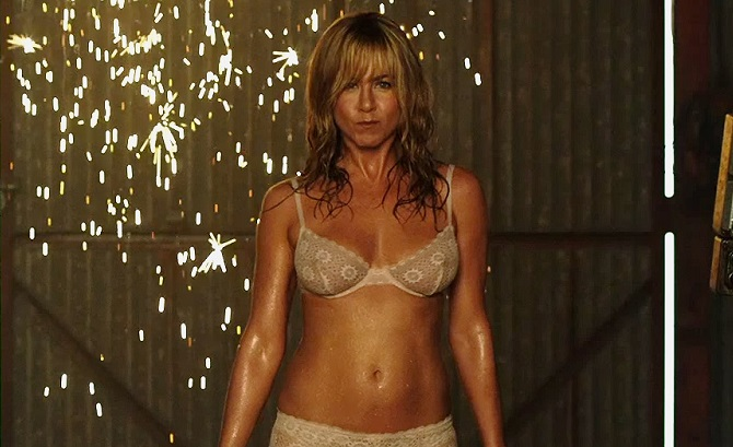 Jennifer aniston topless pity