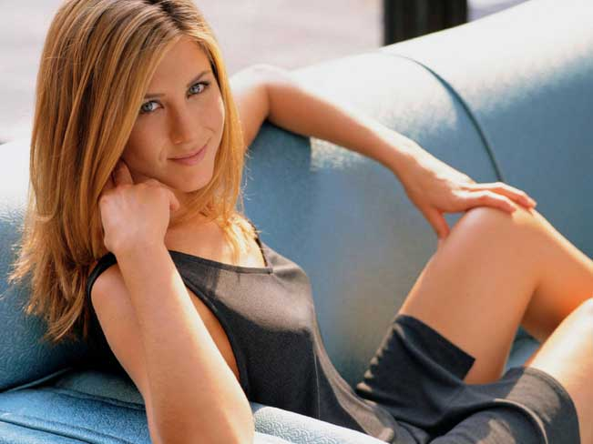 and-jennifer-aniston-goes-naked-on-youtube-olson-porn-woman